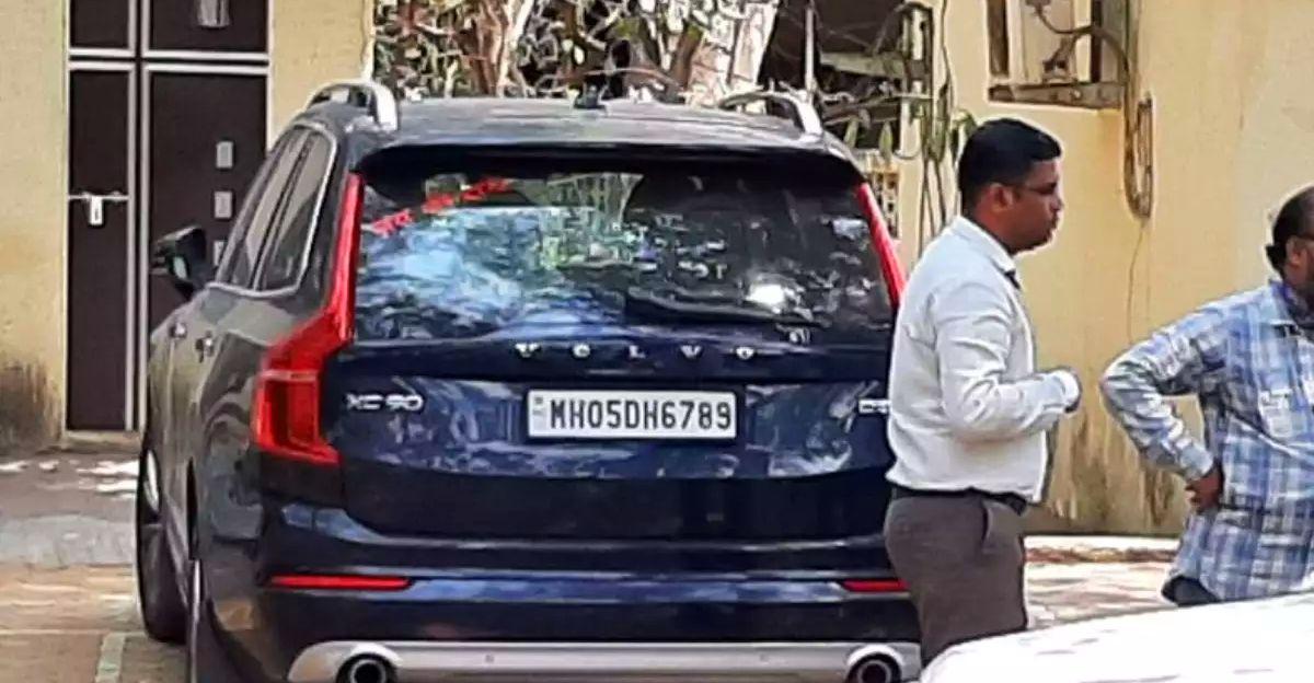 महाराष्ट्र आतंकवाद-रोधी दस्ते ने Sachin Waze मामले से जुड़ी Volvo XC90 SUV को जब्त कर लिया