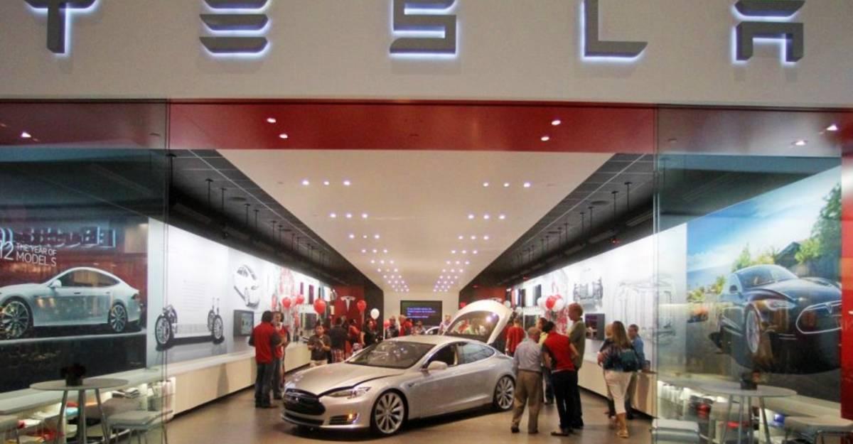 Tesla बैंगलोर, दिल्ली और मुंबई में इलेक्ट्रिक कार शोरूम स्थापित करने की तैयारी