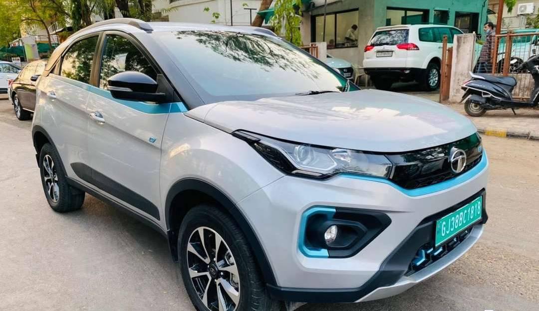बिक्री के लिए लगभग नई Tata Nexon & Hyundai Kona इलेक्ट्रिक SUV