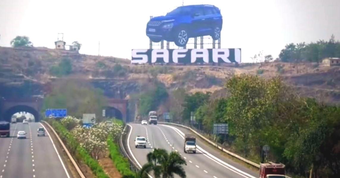 All-New Tata Safari को मुंबई पुणे एक्सप्रेसवे पर भारत की सबसे बड़ी कार होर्डिंग मिली