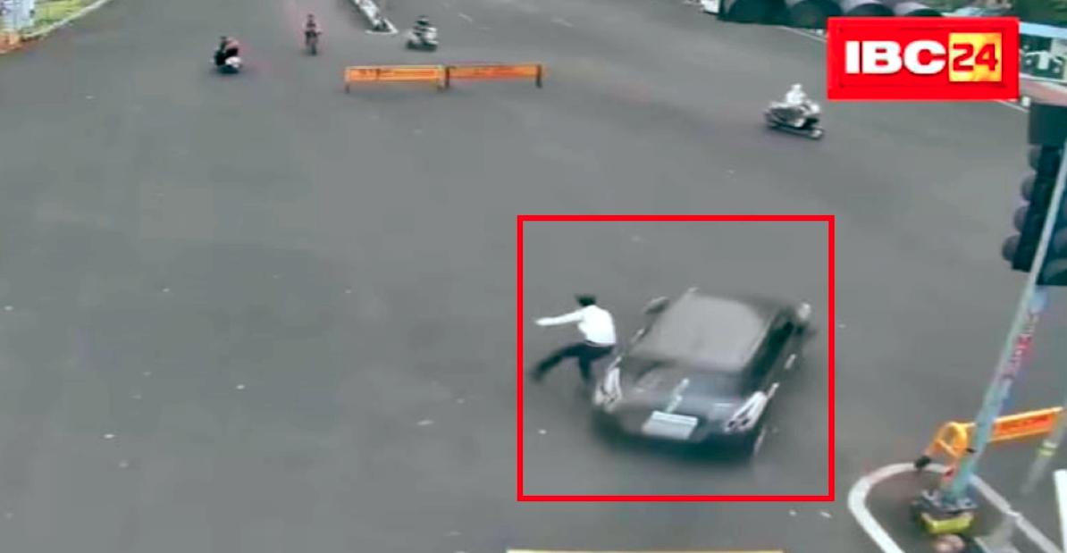 गलत तरफ से तेज रफ्तार कार ने पुलिस को टक्कर मारी और भाग गए: तलाश शुरू