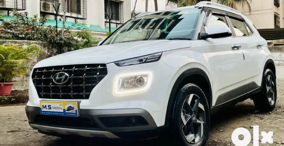 लगभग नई Hyundai Venue सब-4 मीटर कॉम्पैक्ट SUVs बिक्री के लिए