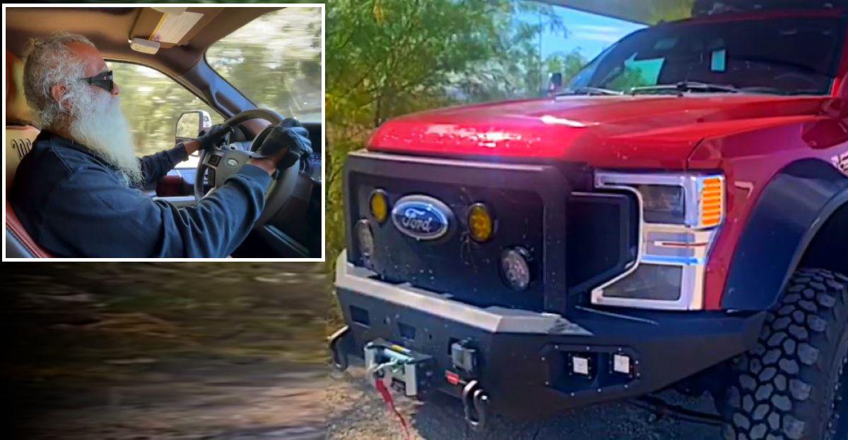 जग्गी 'सद्गुरु' वासुदेव जी का संशोधित Ford F150 Pick Up Truck एक BESAT लगता है
