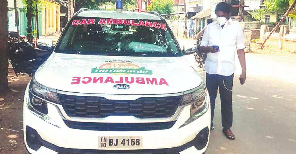 कांग्रेस नेता ने अपनी Kia Seltos SUV को एम्बुलेंस में बदला