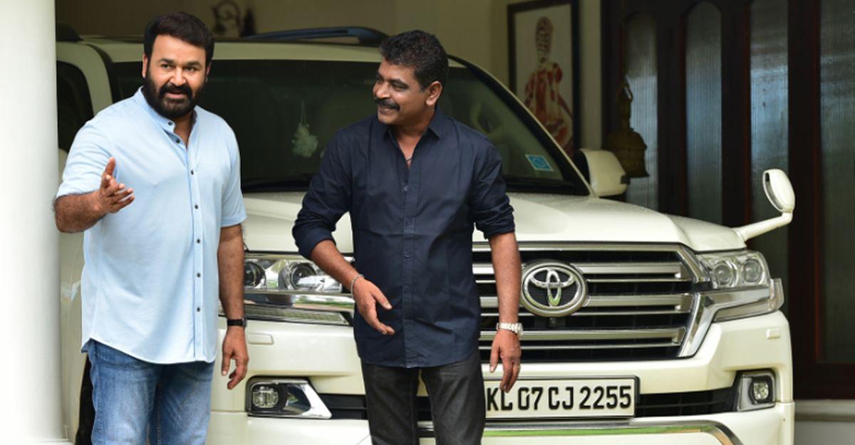 वीडियो पर मलयालम मूवीस्टार मोहनलाल की करोड़ों की Toyota