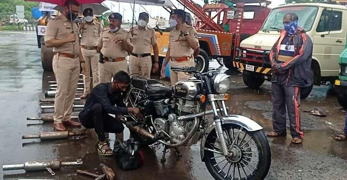 ठाणे के पुलिस अधिकारियों ने जोरदार ध्वनि वाले साइलेंसर और काली रंग के खिड़की के खिलाफ अभियान शुरू किया