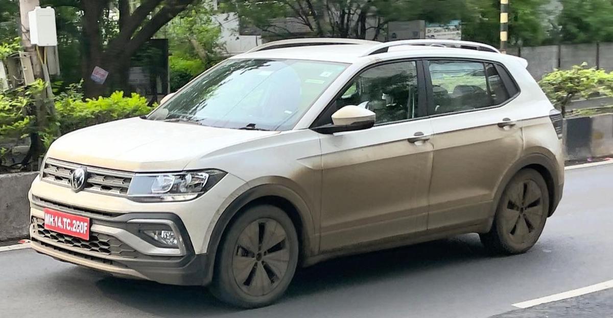 भारत में लॉन्च से पहले Volkswagen Taigun का निचला संस्करण पुणे में परीक्षण करते हुए देखा गया