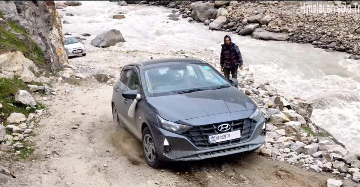 नई Hyundai i20 एक बॉस की तरह हिमालयी जल क्रॉसिंग और ऑफ रोड इलाके से निपटती है [वीडियो]