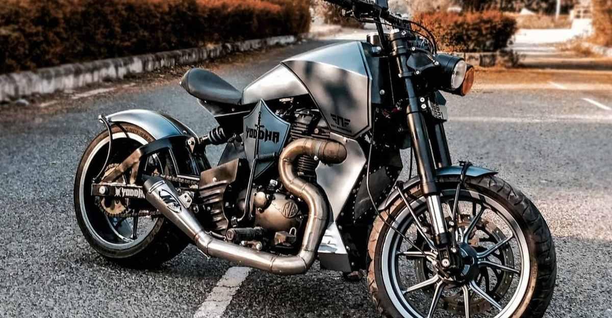 नीव मोटरसाइकिल से संशोधित Royal Enfield Thunderbird स्ट्रीट फाइटर बनना चाहता है