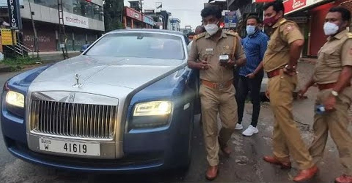 दुबई में पंजीकृत Rolls Royce Ghost पर भारत में शुल्क का भुगतान नहीं करने पर जुर्माना लगाया गया
