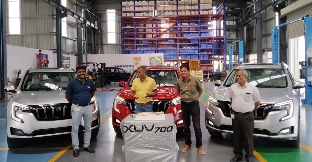 Mahindra XUV700 SUV फैक्ट्री में सॉफ्ट लॉन्च हुई