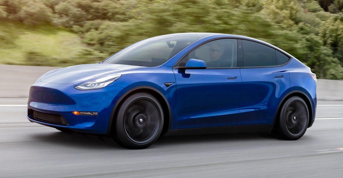 Tesla Model Y Electric SUV ने भारतीय सड़कों पर परीक्षण की [SPIED]