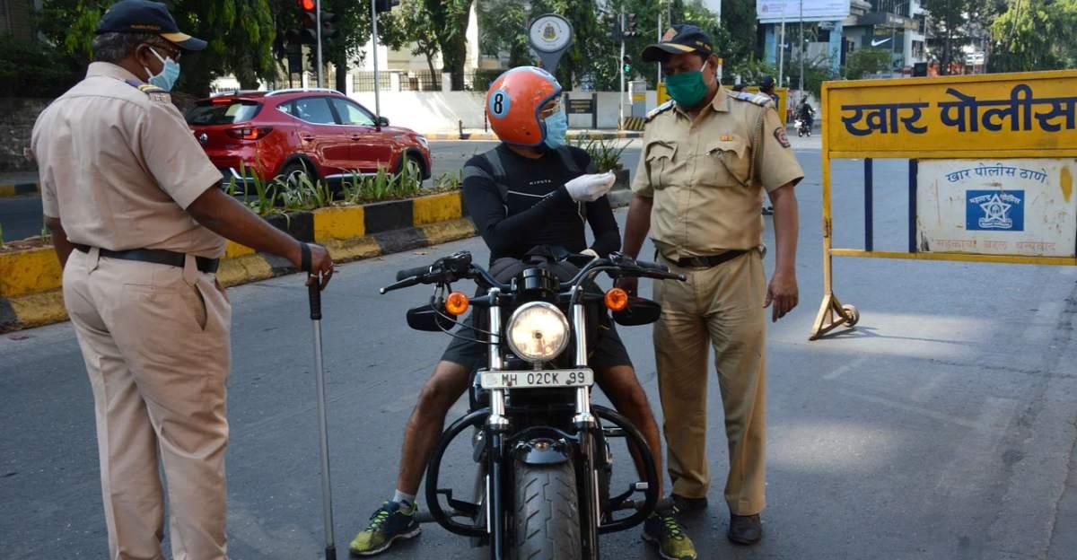 मुंबई पुलिस आयुक्त का कहना है कि वाहन दस्तावेजों की जांच बंद करो