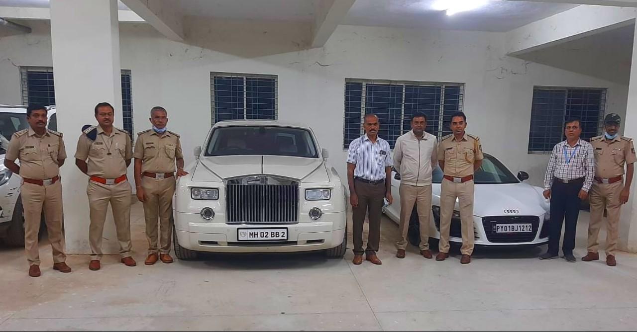 RTO अधिकारियों ने Rolls Royce सहित 17 सुपर एक्सोटिक कारें जब्त कीं जो कभी Amitabh Bachchan की थीं [वीडियो]