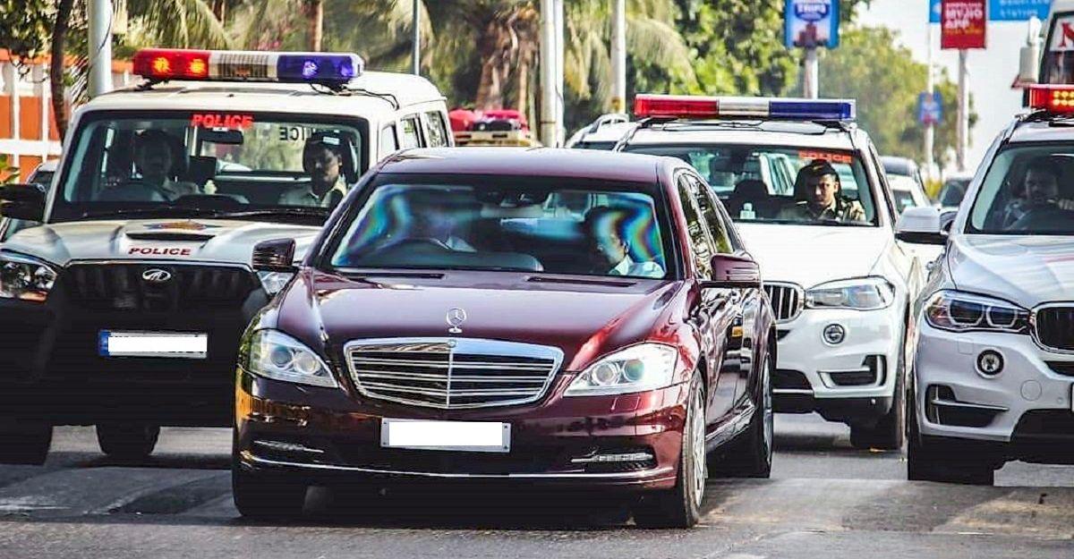 Mukesh Ambani के 3 Mercedes-Benz S-Guard लग्जरी सैलून पहली बार एक साथ देखे गए