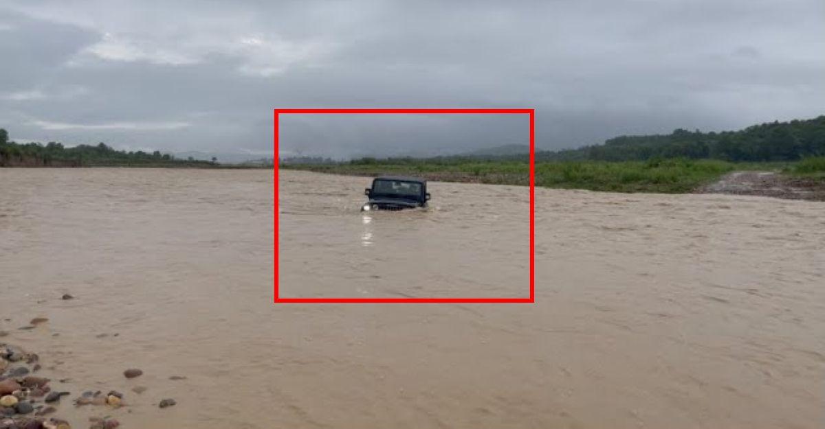 आनंद महिंद्रा ने बिना स्नोर्कल के नई Thar नदी पार करते हुए का वीडियो शेयर किया