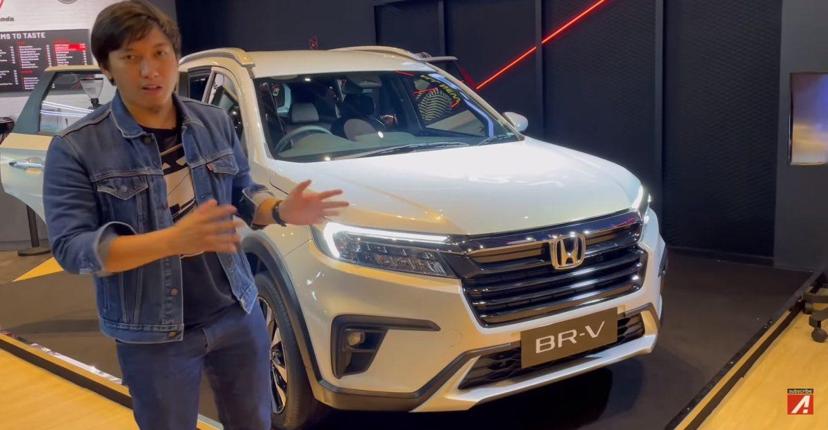 Honda BR-V 7 सीट SUV का पहला वॉकअराउंड वीडियो