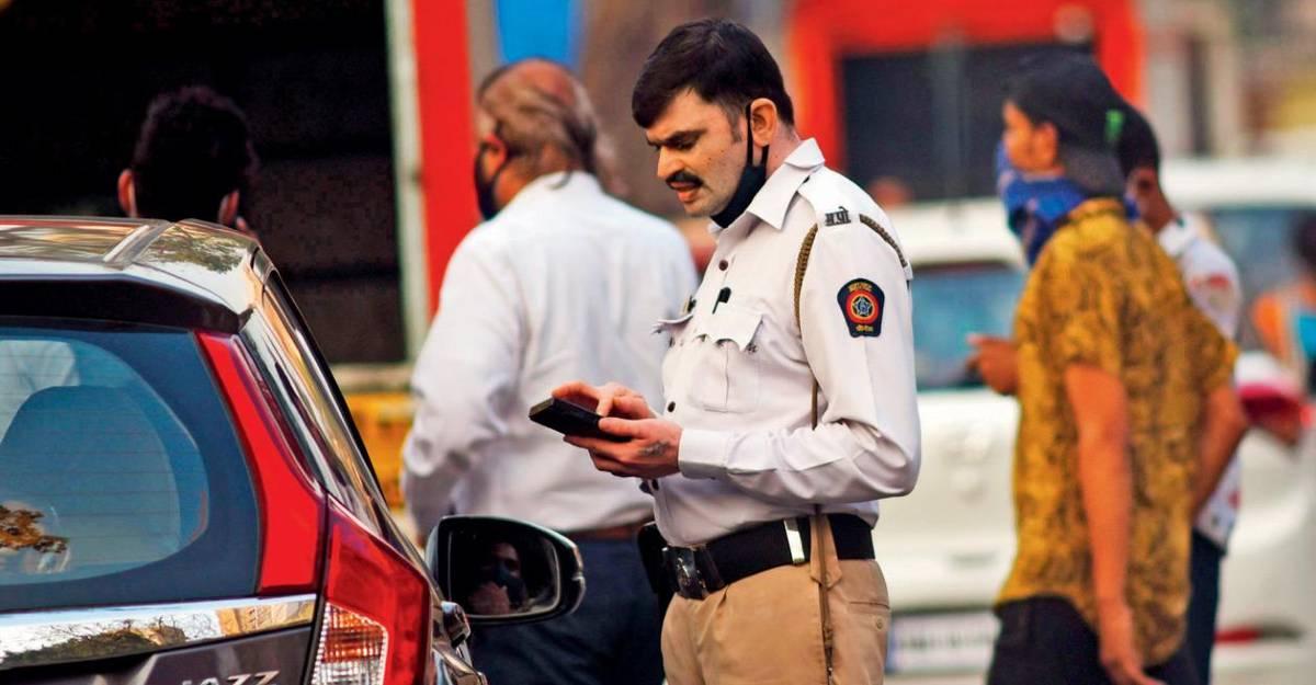 ट्रैफिक चालान का भुगतान नहीं करने पर कानूनी नोटिस का सामना करें: ठाणे पुलिस अधिकारी