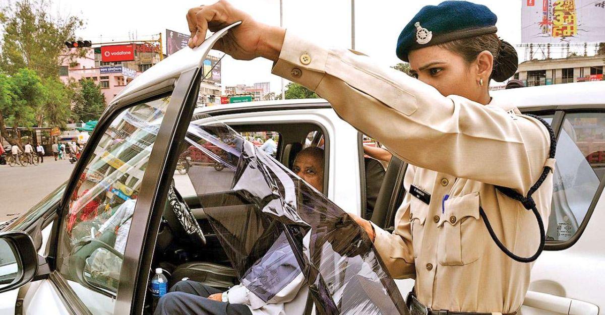 खिड़कियों पर डार्क फिल्म के लिए गुजरात पुलिस ने 2,500 से अधिक कार मालिकों पर जुर्माना लगाया